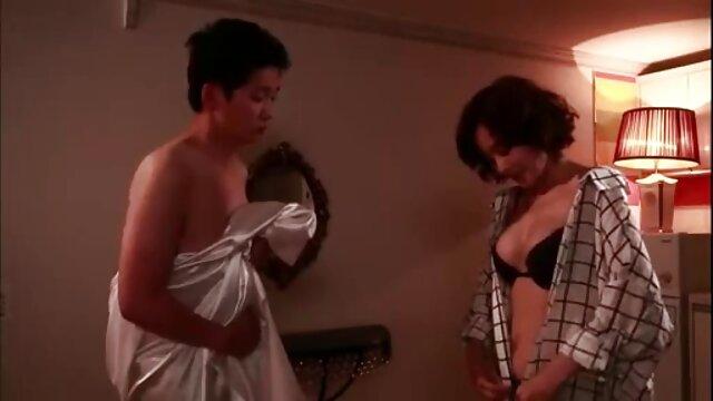 Porno terbaik tidak terdaftar  Super mom menunjukkan vidio bokep jepang pul tubuhnya.