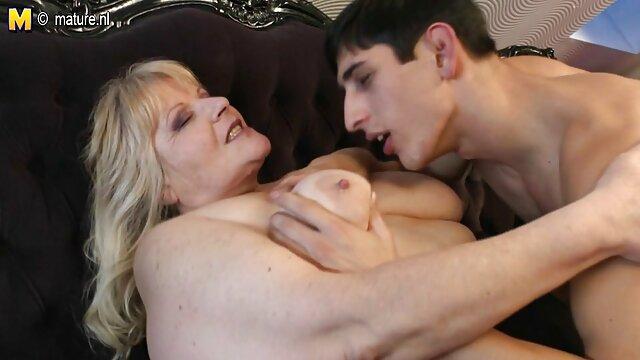 Porno terbaik tidak terdaftar  Sebuah pelacur payudara kecil di bokef full jepang tempat tidur.