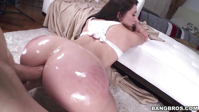 Porno terbaik tidak terdaftar  Yvonne bokeo jepang full Schenherr-Halloween asrama